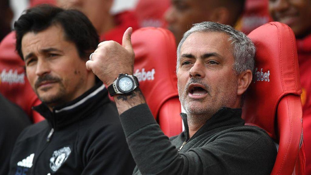 Fokus Mourinho Musim Ini Memang Bukan Trofi, tapi Bangun Fondasi Tim