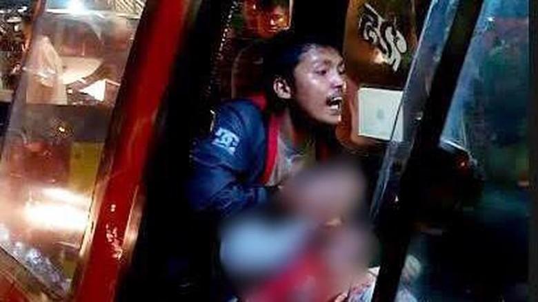 Menegangkan! Detik-detik Aiptu Sunaryanto Tembak Penodong di Angkot