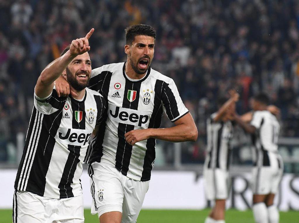 Higuain Dua Gol, Juventus Kalahkan Chievo
