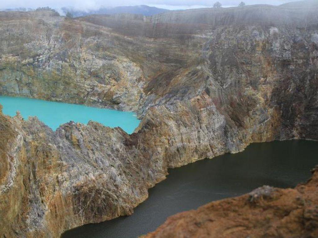 Negara Indonesia Punya Keajaiban Alam, Ada Kawah Ijen hingga Danau Kelimutu