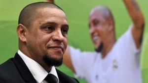 Tentang Roberto Carlos dan Pisang-Pisang dalam Karier Sepakbolanya