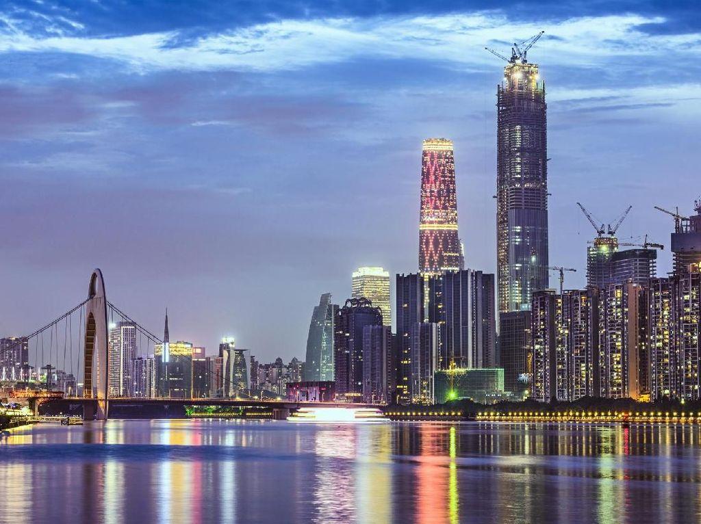 Foto: Guangzhou & Legenda 5 Kambing Penjaga Kota