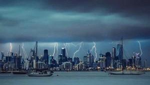 Angin Kencang Disertai Hujan Lebat Terjang Melbourne