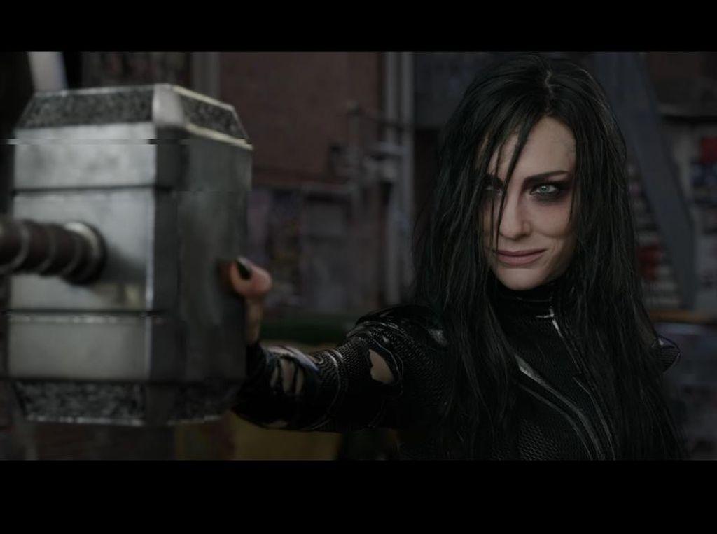 Alasan di Balik Marvel Hancurkan Palu Milik Thor di Ragnarok