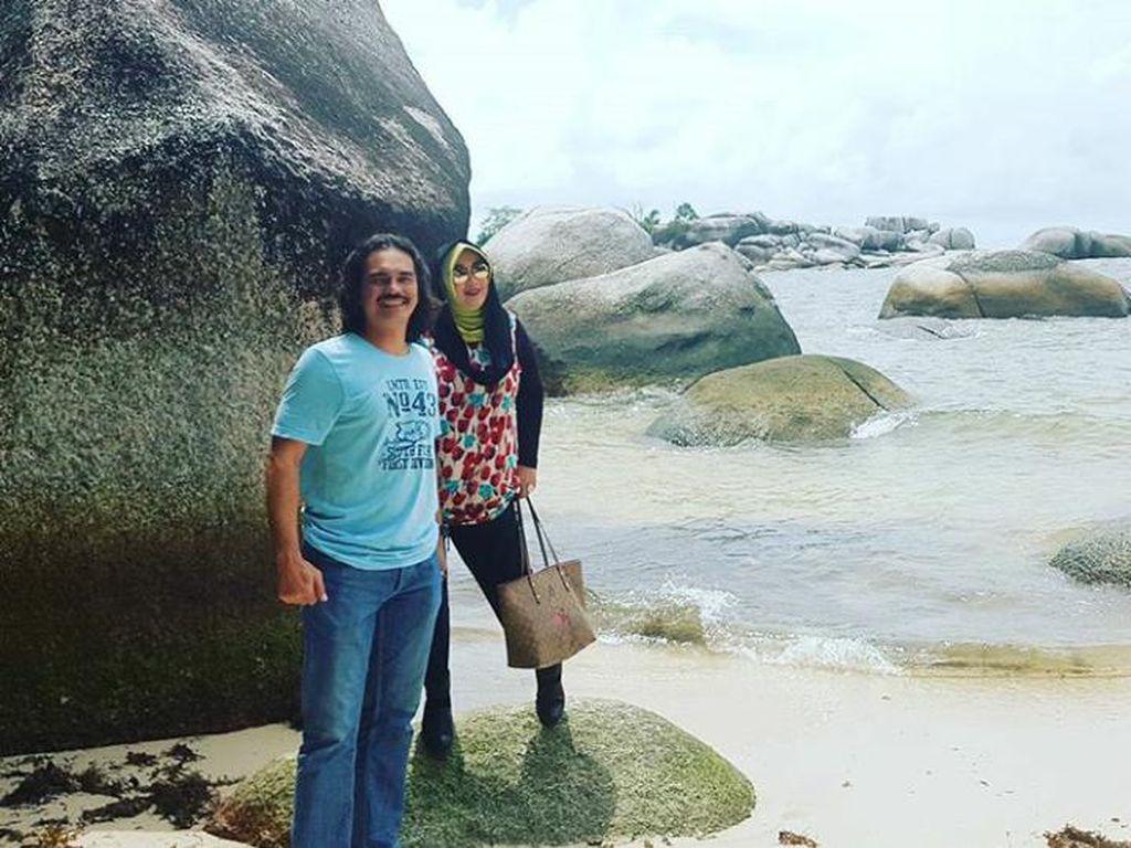 Happy Anniversary! Rina Gunawan dan Teddy Syah