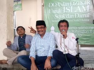 Sambil Lesehan, Djarot Dialog dengan Warga di Kramat Jati