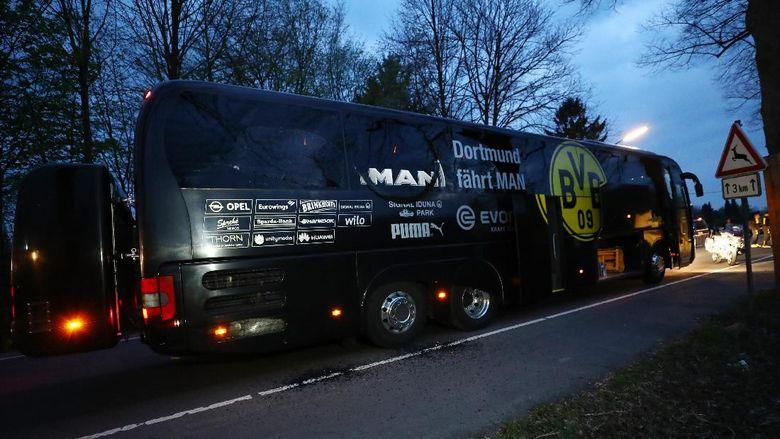 Cerita Bek Dortmund yang Lihat Ledakan Dekat Bus
