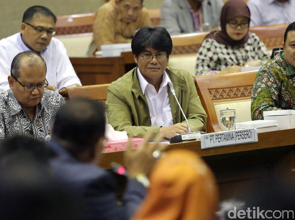 Direktur Anak Usaha Pertamina Tak Lengkap, Komisi VII Minta Rapat Diskors