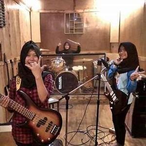 Jadi Sorotan Internasional, Ini Respons Trio Hijabers Metal Asal Garut