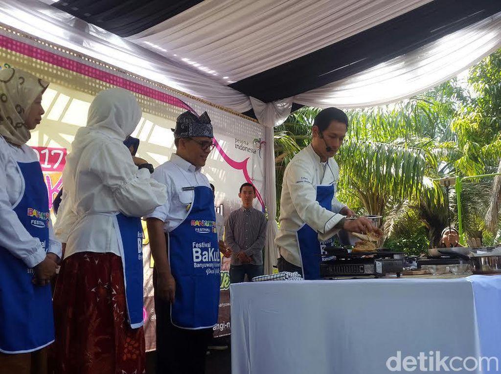 Chef Juna Promosikan Pecel Pitik di Festival Banyuwangi Kuliner