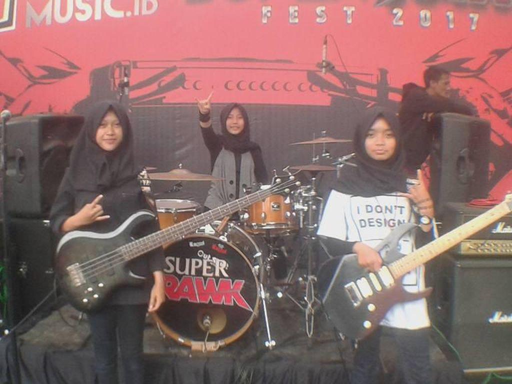 Trio Hijabers Metal VoB Sindir Batasan Berpendapat di School Revolution