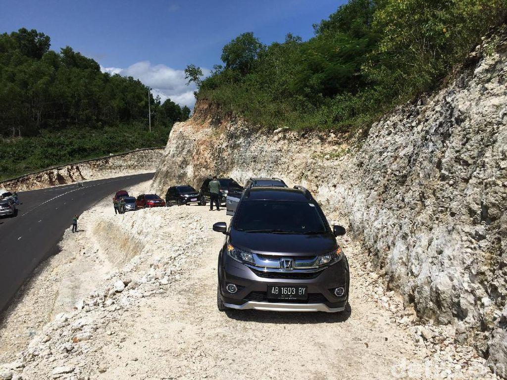 Sensasi Jalanan yang Menghilang di Gunung Kidul