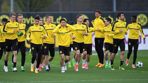 Kiper Monaco: Semoga Bartra dan Pemain Dortmund Baik-Baik Saja