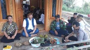 Bupati Bandung dan Pejabat SKPD Menginap di Rumah Warga