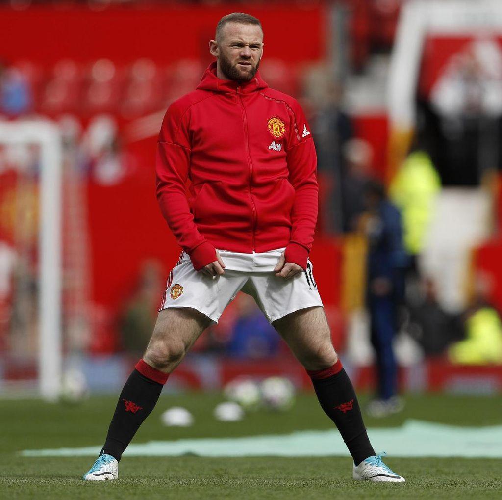 Giggs: Rooney Masih Bisa Bertahan di MU, asalkan...