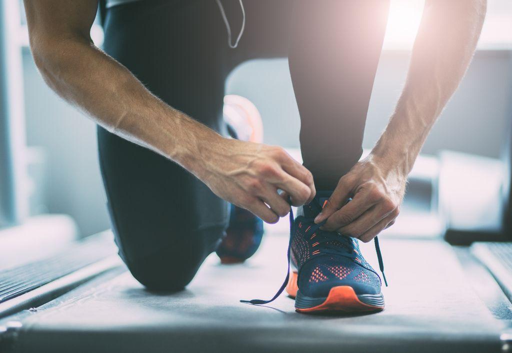 Ilustrasi tali sepatu lepas
