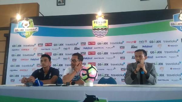 Arema Janjikan Permainan Terbuka Melawan Persib Bandung