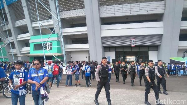 Bobotoh Mulai Ramaikan Stadion GBLA