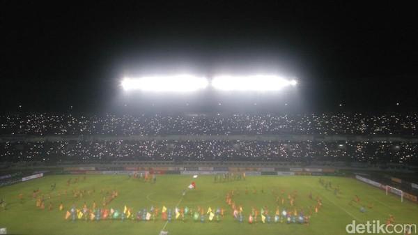 Pembukaan Liga 1: Menpora Beri Sambutan, Ketum PSSI <I>Kick-off</I>