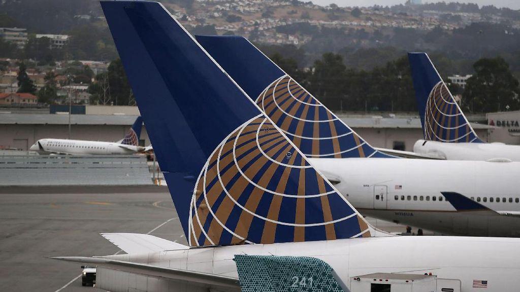 Pindah Kursi, Pasangan Kekasih Diminta Turun dari United Airlines