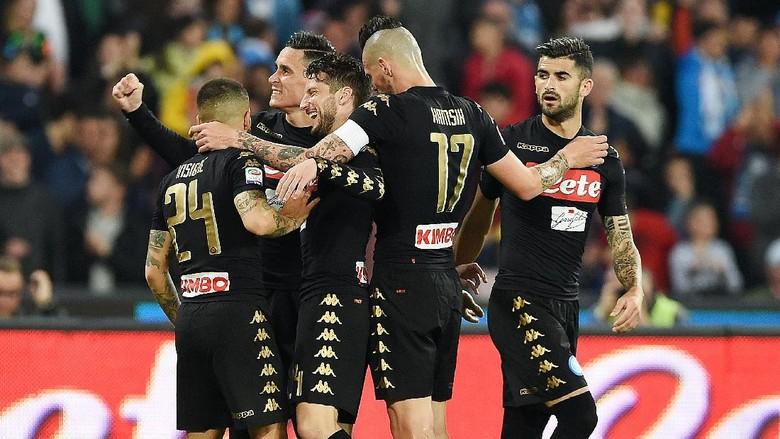 Kalahkan Udinese 3-0, Napoli Dekati Roma