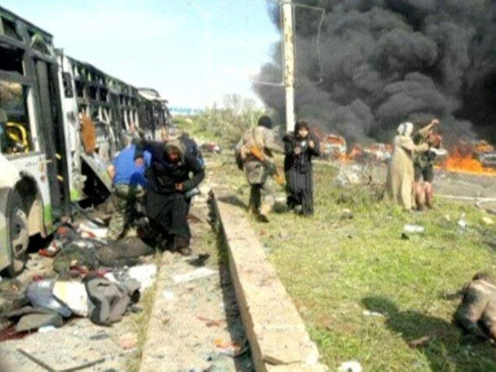 Bom Mobil di Suriah Tewaskan 43 Orang Pengungsi