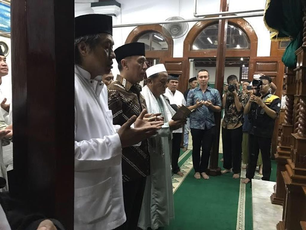Kapolda Metro dan Pangdam Jaya Kunjungi Masjid Luar Batang