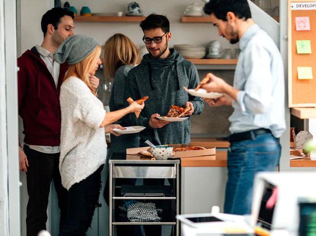 Ini 8 Hal yang Sebaiknya Tak Dilakukan di Pantry Kantor (2)
