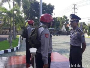 Kapolda Jatim Janji Beri Sanksi Polisi yang Cekoki Miras ke Pelajar