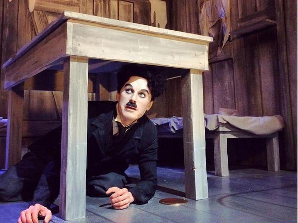 Ratusan Orang Bergaya Charlie Chaplin di Jenewa, Ada Apa?