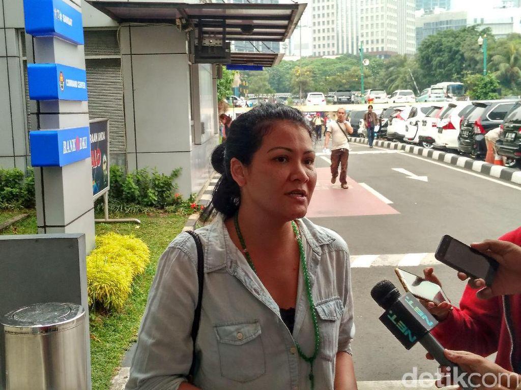 Melanie Subono Perkarakan Animal Defender Soal Kematian Anjing