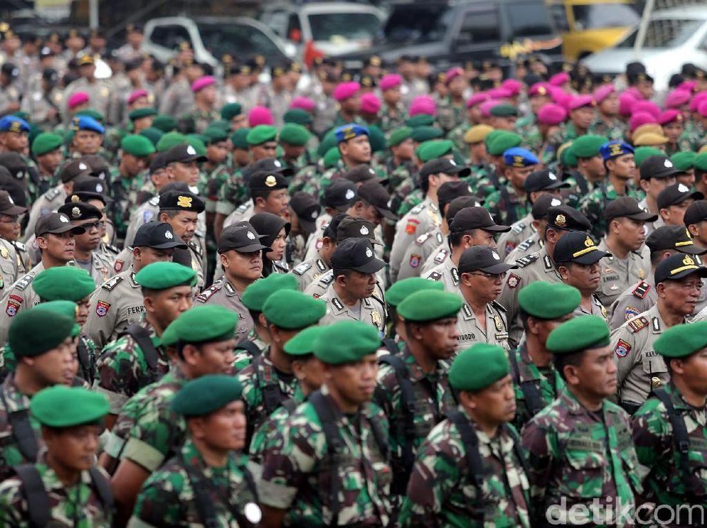120.999 Personel Gabungan Siap Amankan Pilkada Serentak di Jatim