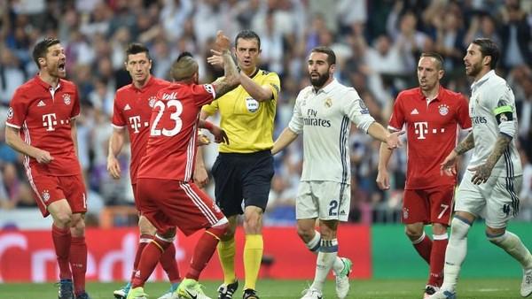 Usai Disingkirkan Madrid, Sejumlah Pemain Bayern Dikabarkan Satroni Ruang Ganti Wasit