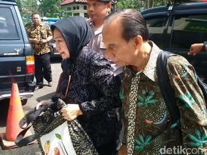 Sidang Perdana, Atty dan Itoch Izin Cek Kesehatan di Luar Lapas