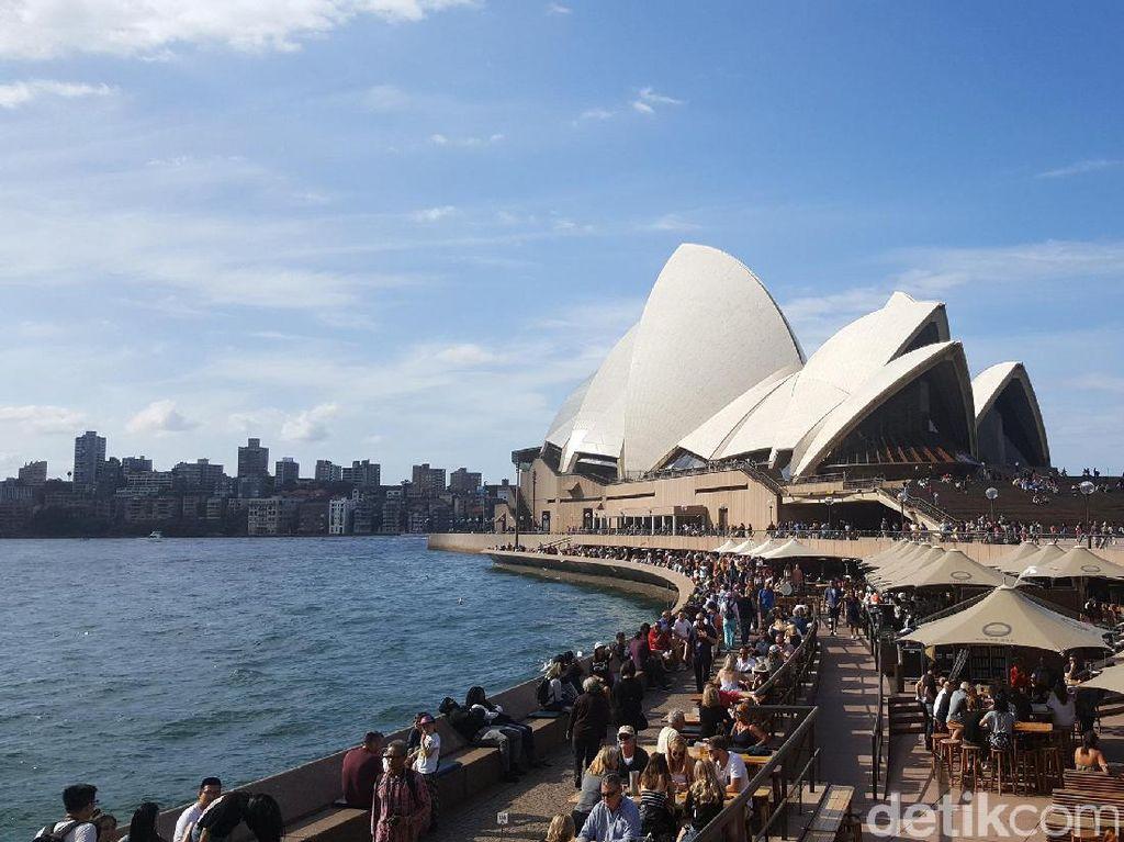 Australia & Inggris Tawarkan Kewarganegaraan Buat Traveler Hong Kong