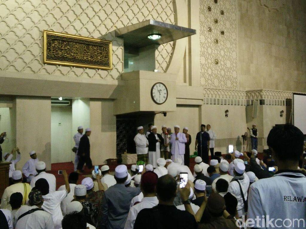 Habib Rizieq: Calon Gubernur Pemenang akan Temani Kita di Istiqlal