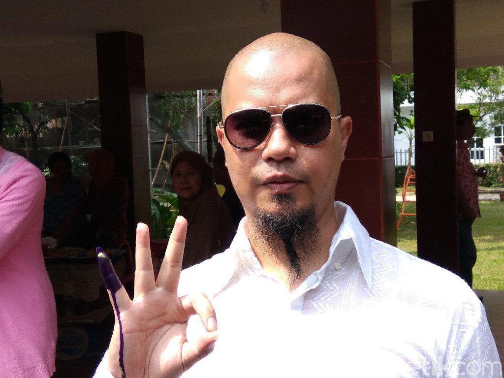 Ironi Ahmad Dhani Dikejar-kejar di Kampung Sendiri