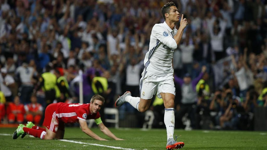 Ronaldo Hat-trick, Madrid Singkirkan Bayern