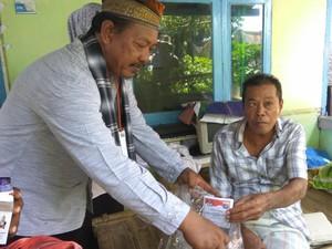 Petugas TPS Datangi Penyandang Disabilitas di Pulau Pramuka