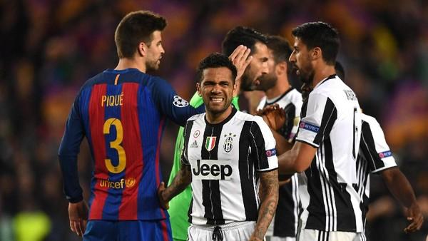 Juve Singkirkan Barca, Alves Senang tapi Juga Sedih