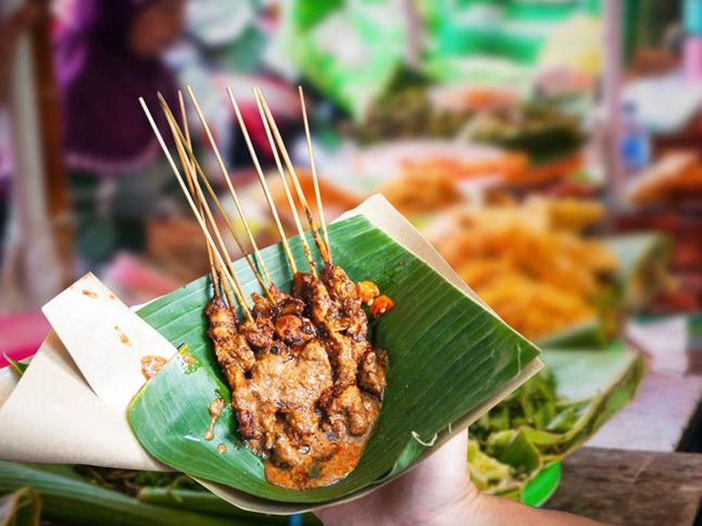 Wajib Dicoba! 5 Makanan Kaki Lima Murah Ini Ludes Ratusan Porsi