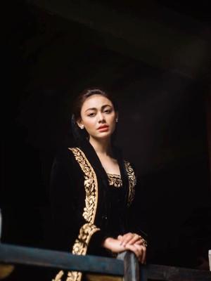Senang Laudya Cynthia Bella Akan Menikah, Whulandary Sumbang Masakan Padang