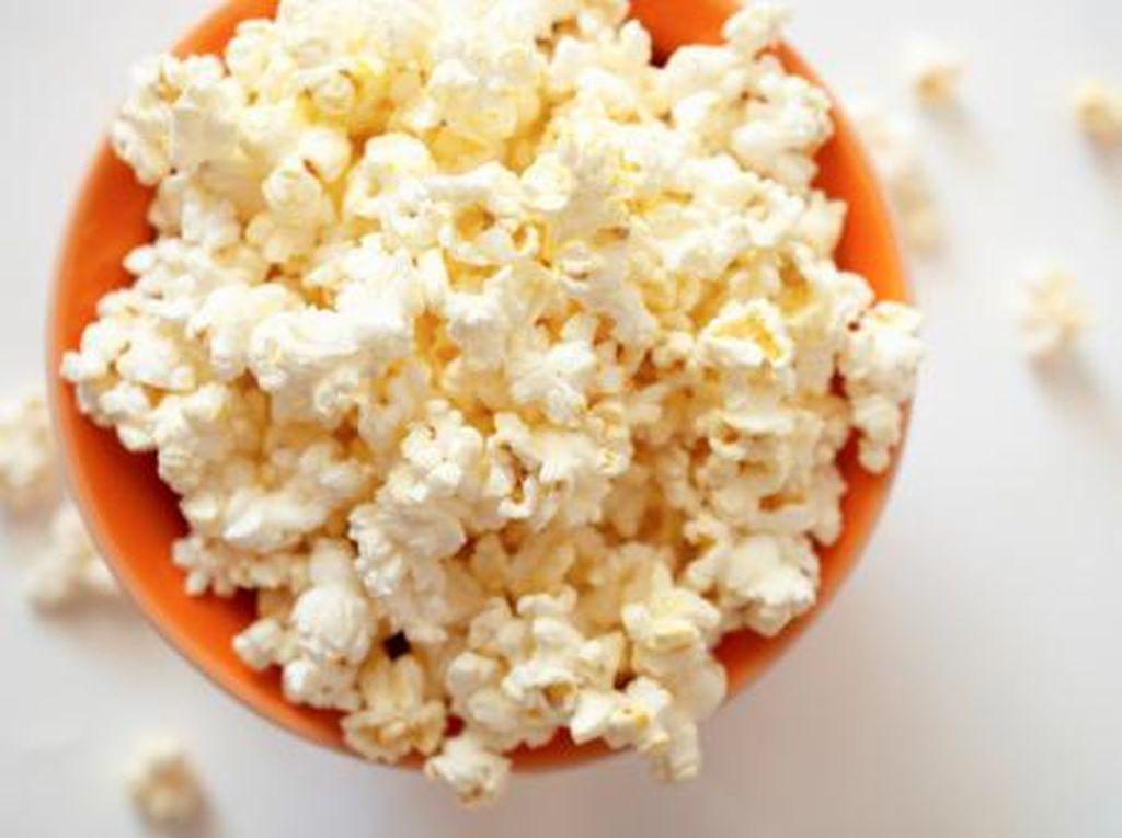 Mengapa Popcorn di Bioskop Lebih Enak daripada Buatan Sendiri?