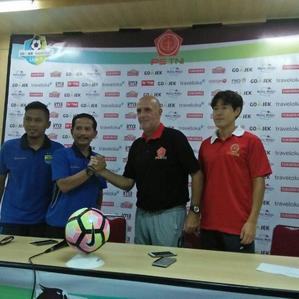 Targetkan Tiga Poin, Persib Berharap Tuah Stadion Pakansari