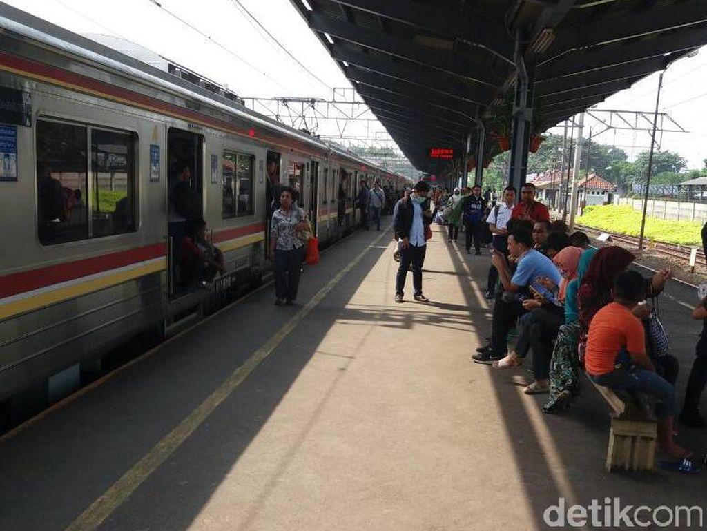 Ada KRL, Kereta Lokal dari Purwakarta Hanya Sampai Cikarang