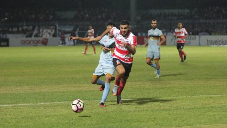 Persela Kalahkan Madura United 2-0