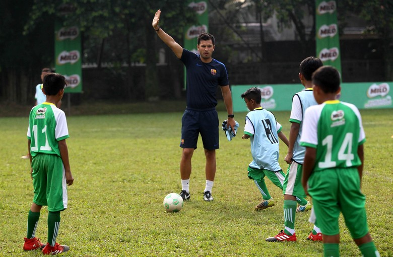 Pelatih FCB Escola Latih 16 Pemain Milo Football Championship