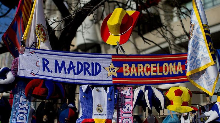 MADRID, SPAIN - MARCH 23: Real Madrid and Barcelona scarves are displayed outside the ground prior to the La Liga match between Real Madrid CF and FC Barcelona at the Bernabeu on March 23, 2014 in Madrid, Spain.  (Photo by Gonzalo Arroyo Moreno/Getty Images)