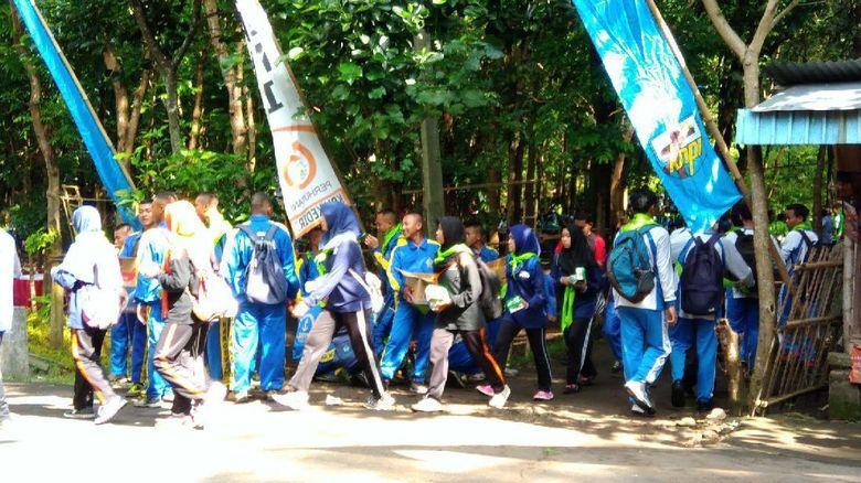 1.000 Pelajar dan Mahasiswa Hijaukan Hutan Klotok Kediri