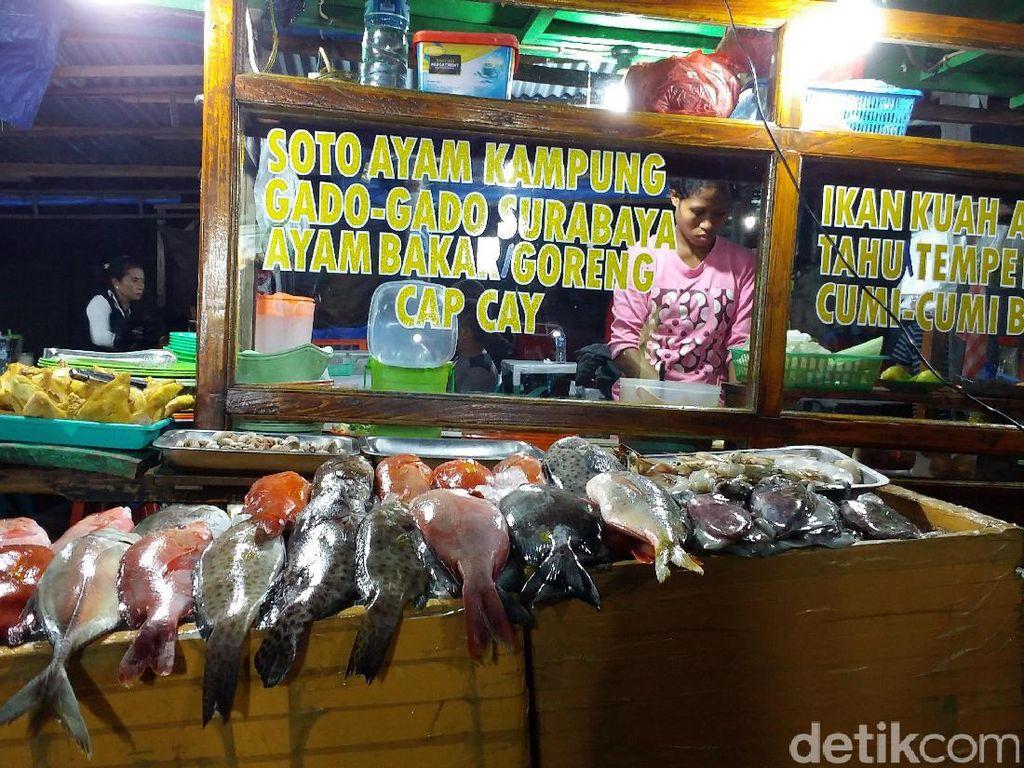 Nyam! Sedapnya Wisata Kuliner Ikan Kakatua di Pasar Malam Kupang